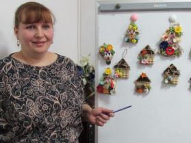 Турійськ: жінкам розповіли, як виготовляти та продавати декоративні елементи
