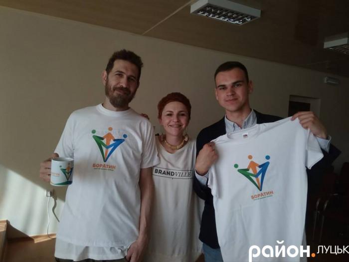 Дизайнери разом із ініціатором та депутатом Анатолієм Левчуком