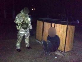 Олика: поліцейські затримали групу злодіїв, котрі обікрали банкомат