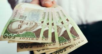 Нарахував собі пів мільйона зарплати: на Рівненщині судитимуть працівника райдержадміністрації