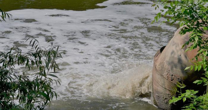 У Вараші в Стир скидали неочищену воду