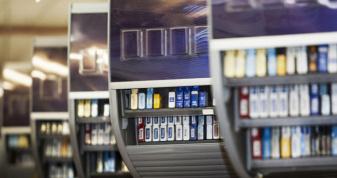 В Україні хочуть заборонити продавати алкоголь і цигарки в супермаркетах