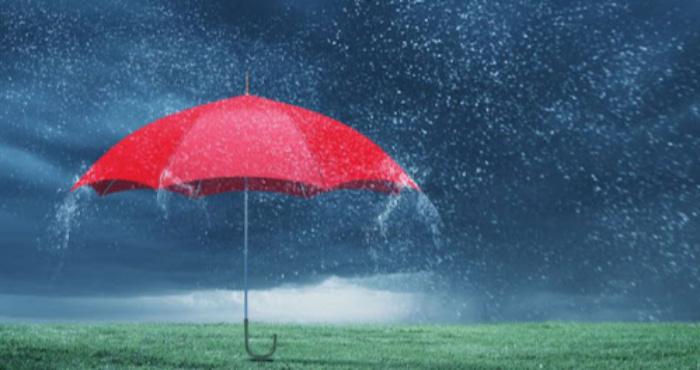В Укргідромедцентрі рекомендують під дощем не купатися