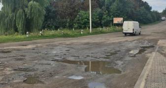 Дорога при в'їзді у Локачі зі сторони Крухиничів
