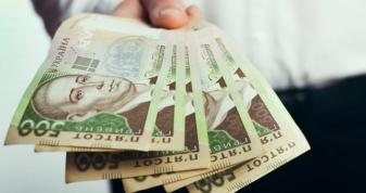 Рівняни стали заробляти більше на майже тисячу гривень