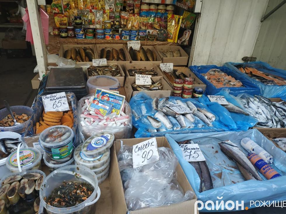 Рибні палички (напівфабрикати) коштують 60 гривень за кілограм. Стейки з риби– 90 гривень за кілограм.