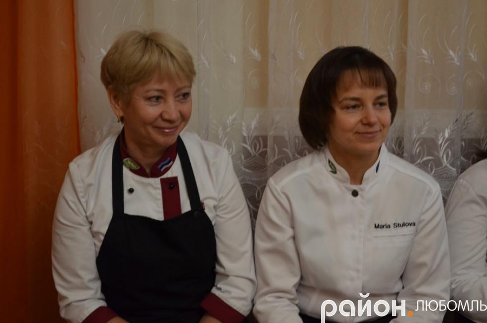 Світлана Єлфімова та Марія Стулова.