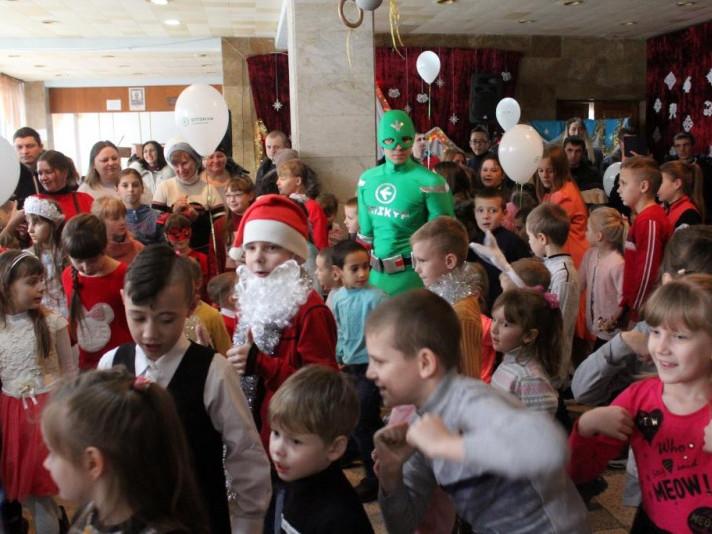 Новорічне свято для дітей