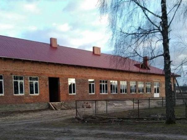 Школа в селі Гірки