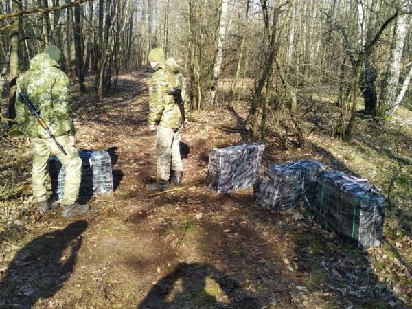 Прикордонники біля Пулемця затримали двох місцевих контрабандистів