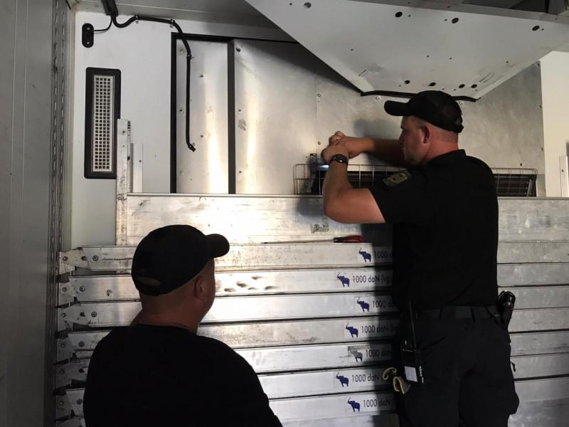 На «Ягодині» у вантажівці виявили сигарети