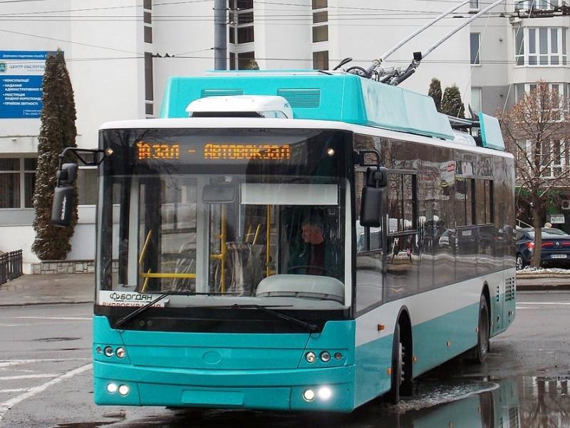 «Богдан» доставив першу партію тролейбусів у Суми