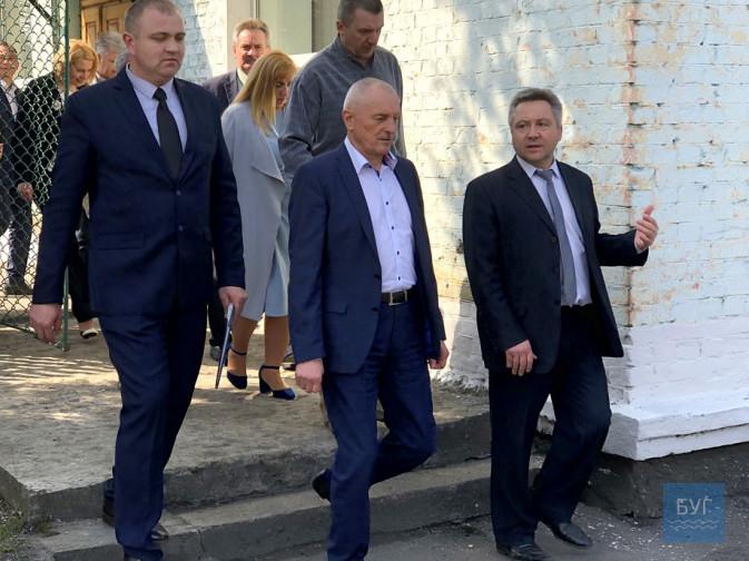 Ми боремося за існування шахти, надіємося на інвесторів і хочемо відкрити нову лаву», – директор Нововолинської шахти