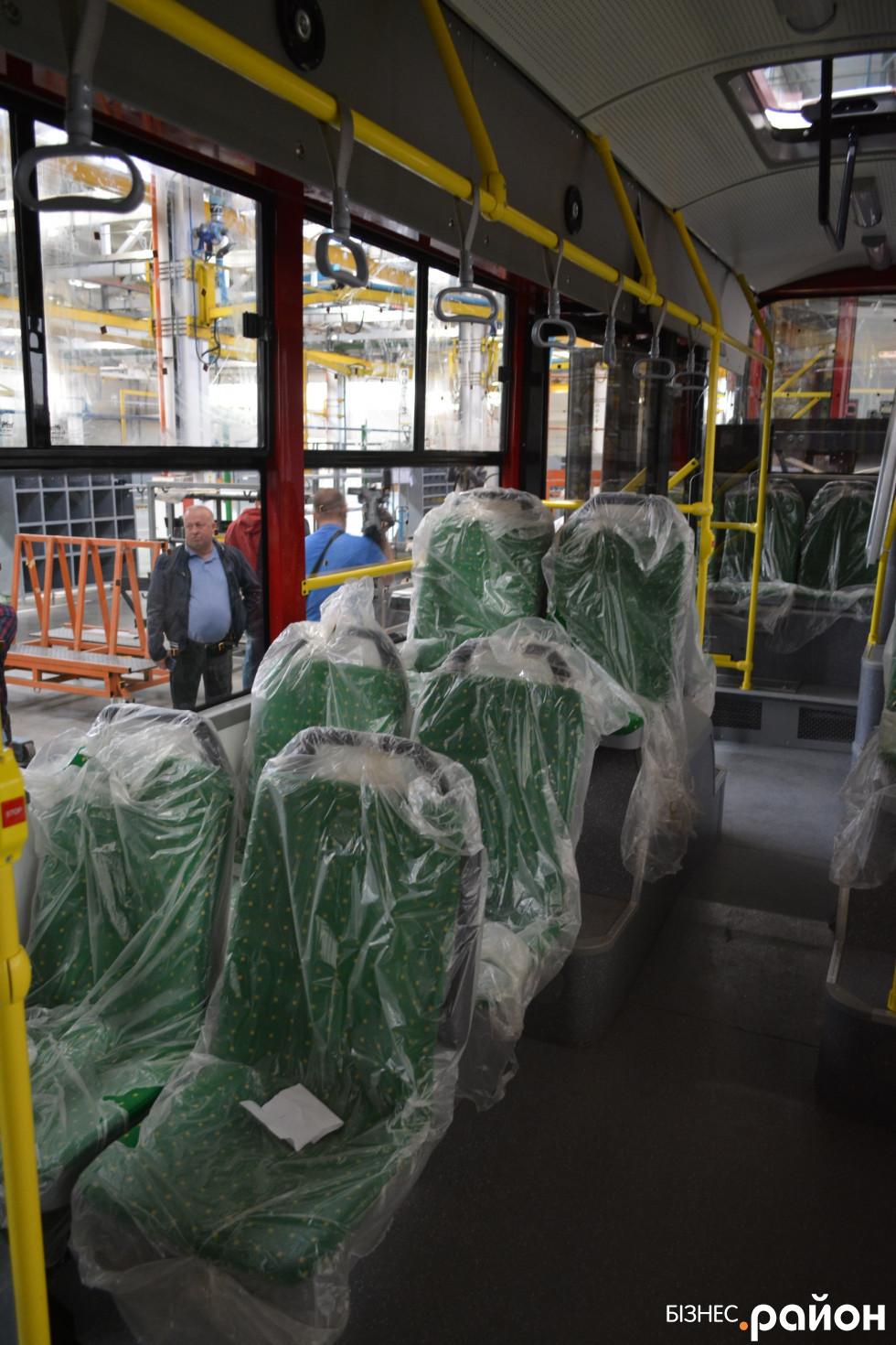 «Богданівський» тролейбус із середини