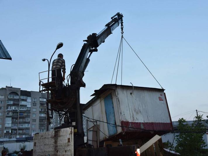 Демонтували кіоски на автостанції №1 в Луцьку