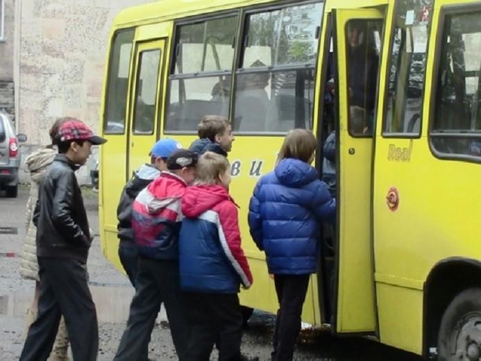 Діти переселенців зможуть безкоштовно їздити на тролейбусах