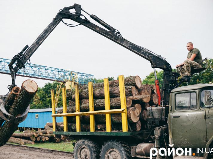 Державне агентство лісових ресурсів України веде переговори про передачу в концесію п'ятилісгоспів австрійськійкомпаніїHolzindustrie Schweighofer