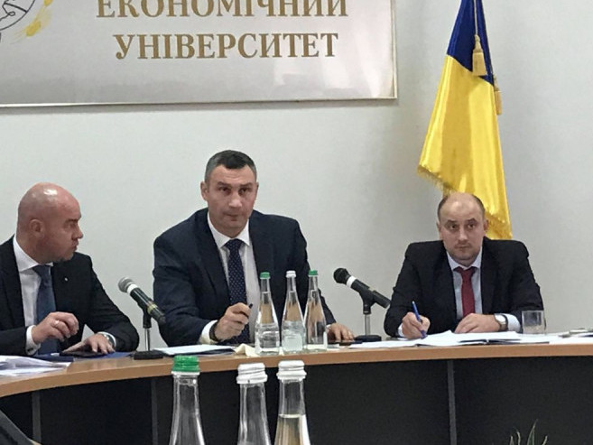 Перший заступник мера Володимираперебуває на зустрічі з Урядом