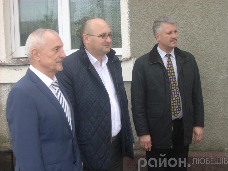 Олесандр Савченко з керівниками Любешівщини