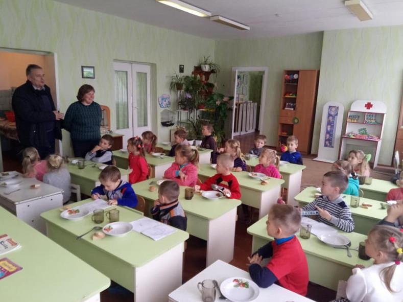Удошкільну групу «Сонечко»НВК «ЗОШ І-ІІІ ступеня-дитячий садок»села Тур завезли нові меблі