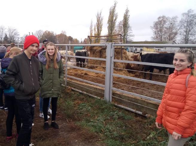 забродівські школярі відвідали найвідомішу ферму Ратнівщини