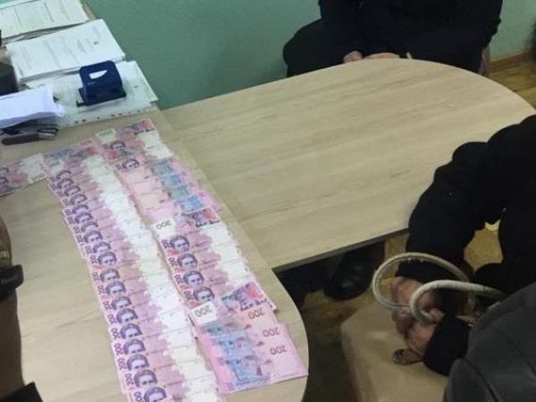 Ковельчанка намагалася підкупити прокурора