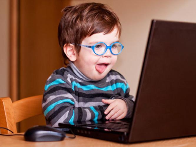 Школи Турійського району отримали нове комп'ютерне обладнання