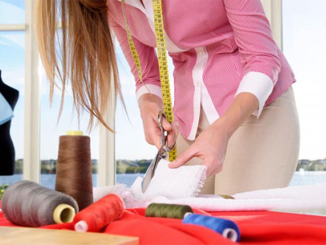 У Горохові переселенка з Луганщини отримала грант на розвиток швейного бізнесу