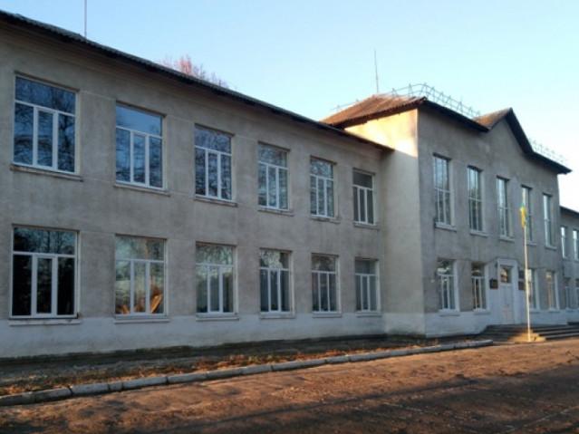 У волинській школі встановили енергоощадні вікна за 185 тисяч гривень