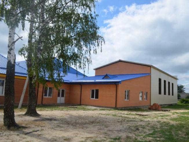 Шкільний спортзал у Седлищі