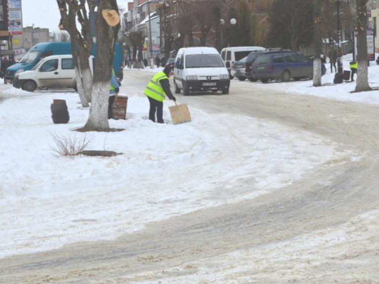 У Ковелі прибирати сніг будуть безрозбітні