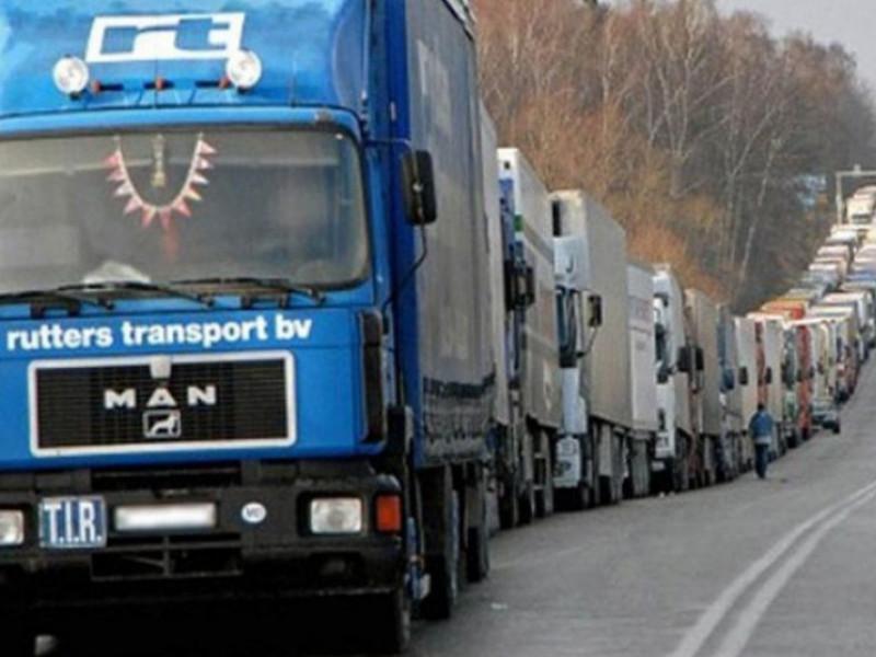 На «Ягодині» у черзі застрягло близько 400 вантажівок