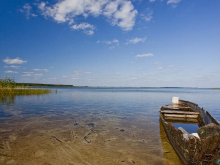 На Волині фірма незаконно видобувала корисні копалини у «захопленому» озері