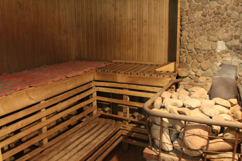 Гості можуть розслабитися у домашній сауні