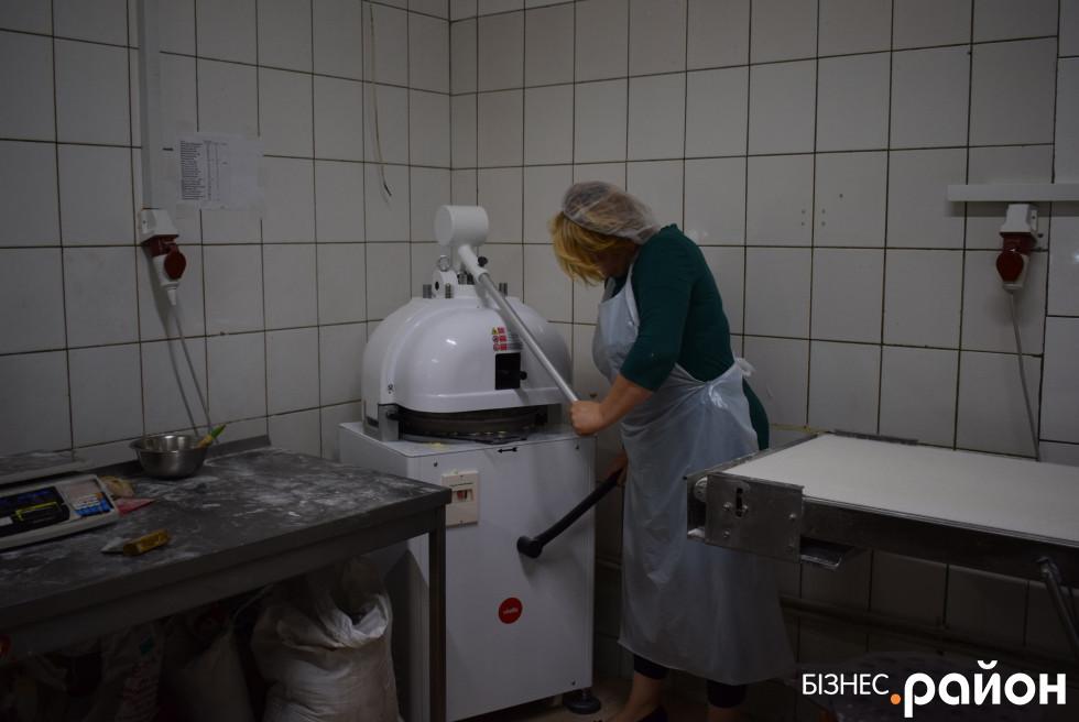 Апарат, який виготовляє 3 виробів за декілька секунд