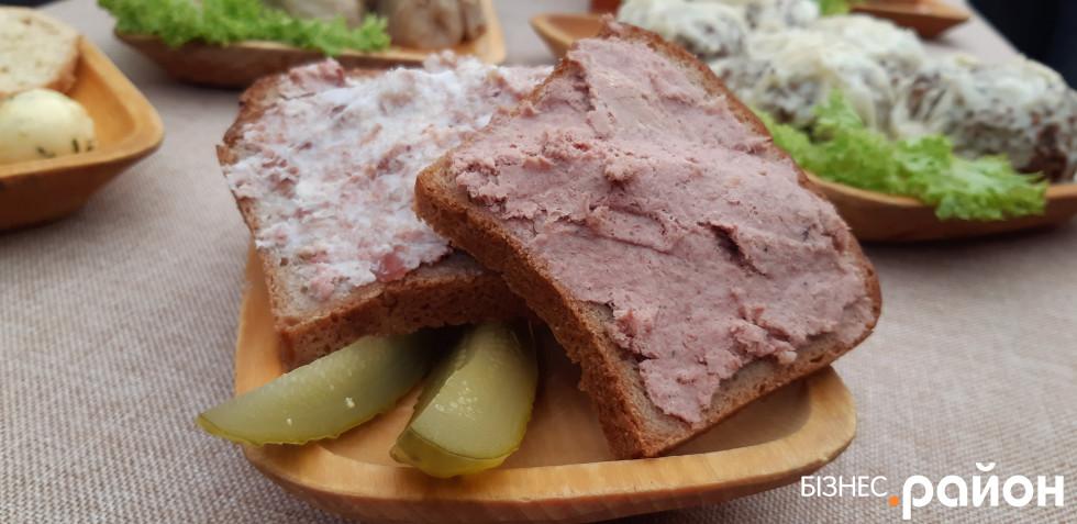 Канапки зі смальцем – традиційна закуска польських селян