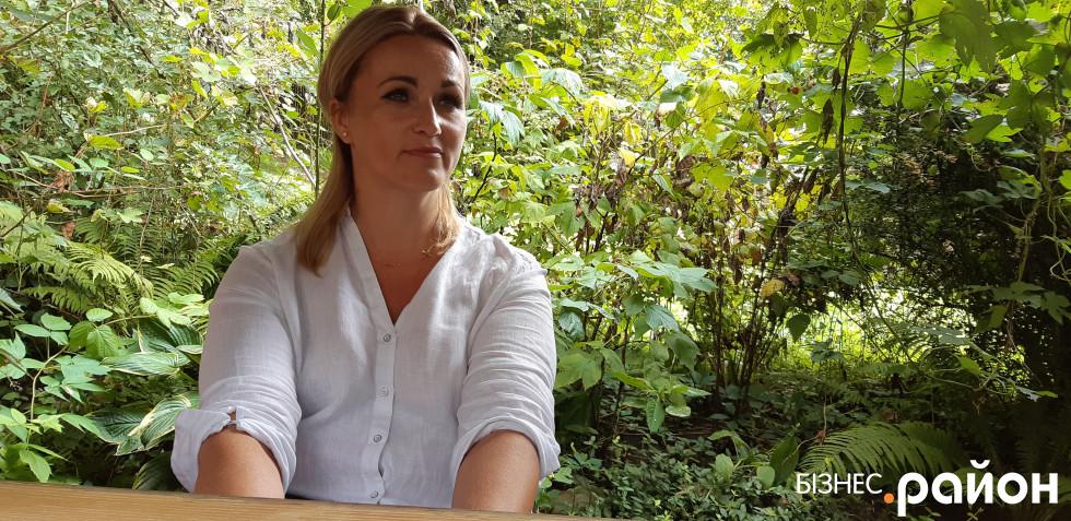 Господиня закладу Габріела Зайонц «Господа під Білою Горою готує страви, які навчила мама. Оскільки має українське коріння, то знає обидві національні кухні досконало