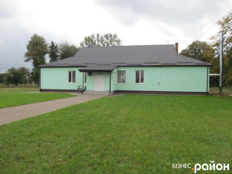 Клуб в селі Переславичі