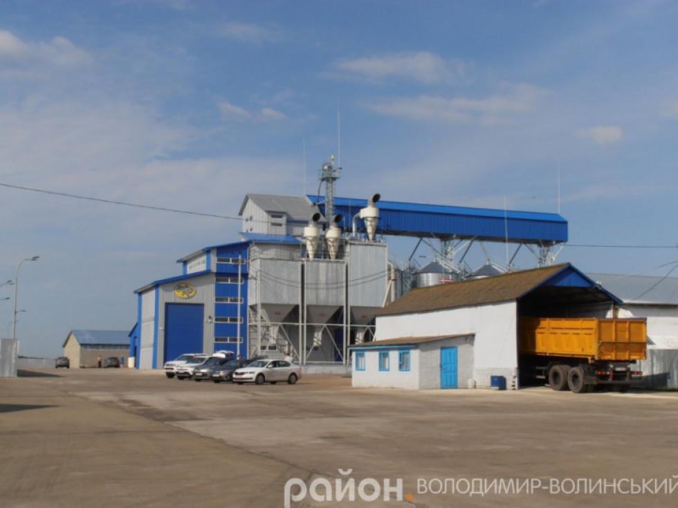 Насіннєвий завод у П'ятиднях приїздив відкривати Президент України Петро Порошенко