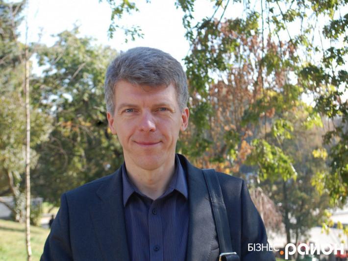 ВолодимирГорбатюк – власник крамниці продуктів здорового харчуванняFood & Health
