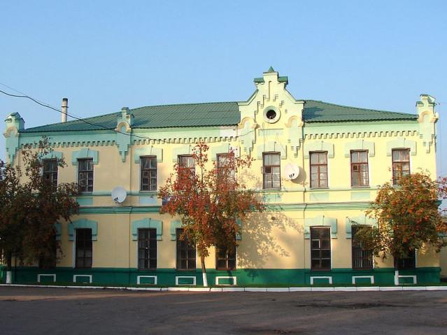 Вокзал у містечку Краснопілля Сумської області