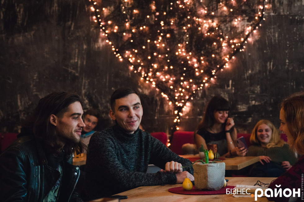 Андрій Мошковський і Андрій Рейкін разом  працюють у театрі вогню «Ейфорія»