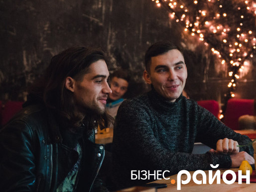 Засновник луцького вогняного театру «Ейфорія» 24-річний Андрій Мошковський і 23-річний Андрій Рейкін