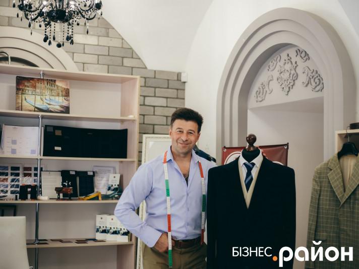 Модельєр Руслан Лазарев