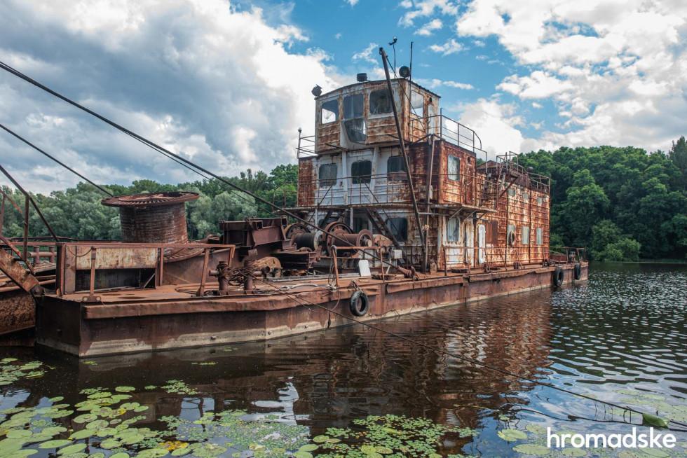 Покинутий корабель у порту Прип'яті